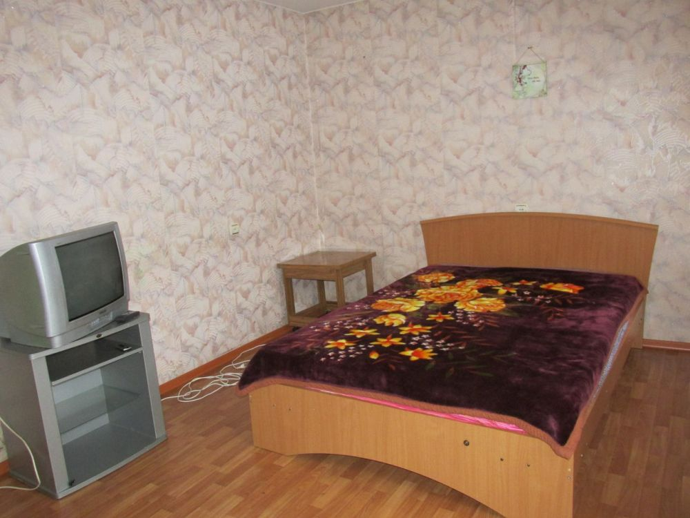 Киров — 1-комн. квартира, 45 м² – Воровского, 15 (45 м²) — Фото 1