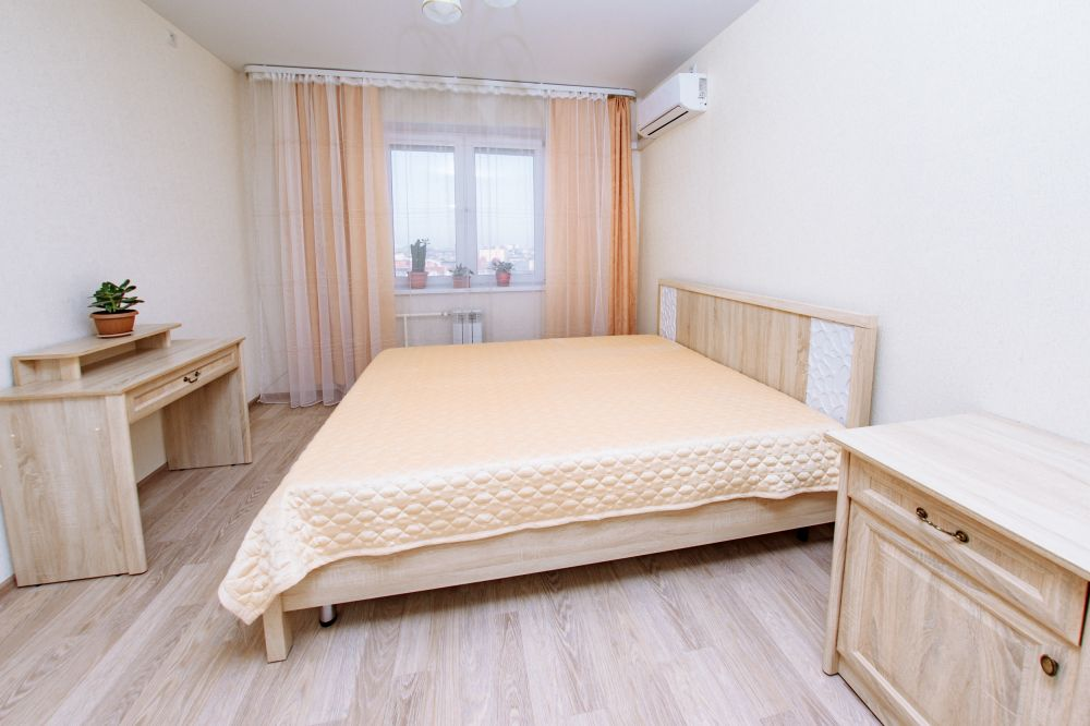 Оренбург — 2-комн. квартира, 78 м² – Лукиана Попова, 103 (78 м²) — Фото 1