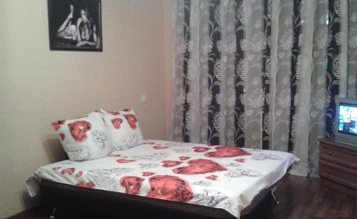 Саратов — 1-комн. квартира, 42 м² – ТЦ Оранжевый / Барнаульская, 2Б (42 м²) — Фото 1