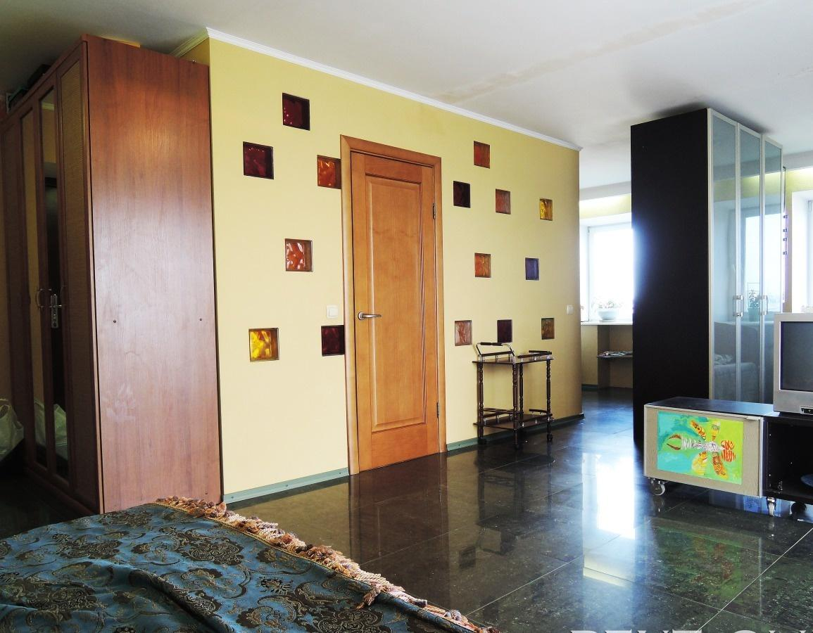 Омск — 1-комн. квартира, 40 м² – Иртышская набережная, 33 (40 м²) — Фото 1
