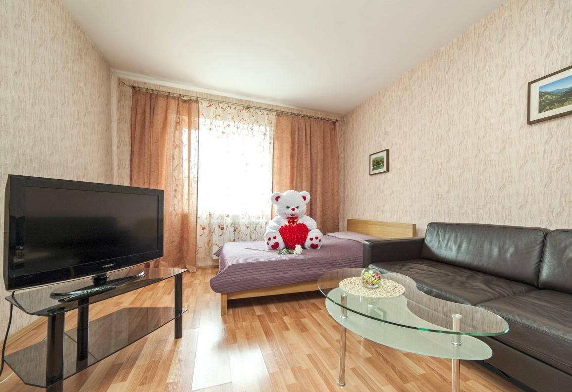 Екатеринбург — 2-комн. квартира, 70 м² – Бажова, 68 (70 м²) — Фото 1