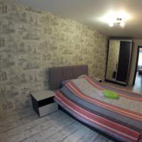 2-комнатная квартира, этаж 2/5, 56 м²