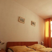 1-комнатная квартира, этаж 3/12, 49 м²