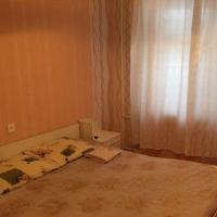2-комнатная квартира, этаж 1/9, 49 м²
