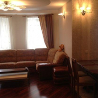 3-комнатная квартира, этаж 3/10, 70 м²