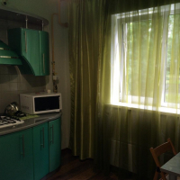 1-комнатная квартира, этаж 1/6, 38 м²