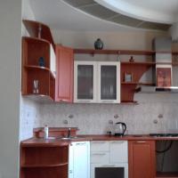 3-комнатная квартира, этаж 2/5, 77 м²