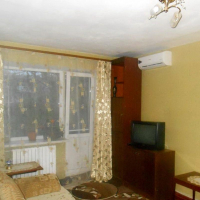 2-комнатная квартира, этаж 2/5, 45 м²