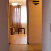 1-комнатная квартира, этаж 4/10, 38 м²